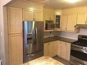 Armoires de cuisine, caissons et comptoir