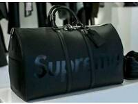 SUPREME X LOUIS VUITTON DUFFLE BAG
