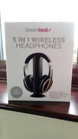 Wireless head phones
