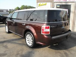 2010 FORD FLEX  HUGE DVD  2 GLASS ROOFS  LEATHER  COME SEE