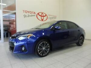 2015 Toyota Corolla * SPORT * MAGS * TOIT OUVRANT * BLUETOOTH *