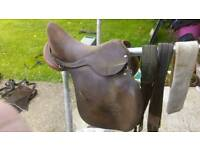 16.5inch medium wide brown leather saddle