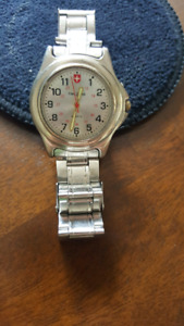 Older Swiss Army Victoria knox Watch with stainless band