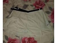 £5 Nike Fit Dry tennis shorts. Size Large - Medium sportowe szorty damskie firmowe