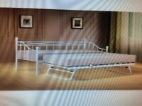 """2FT 6"""" BUTTERMILK DAY BED WITH INDER TRUNDLE - NEVER ASSEMBLED"""