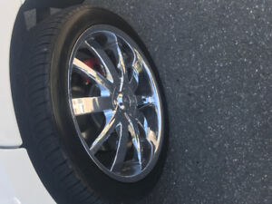 STUNNING 22 inch mags with NEW TOYO tires. MAGS 22 pouces