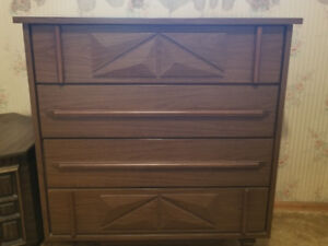 4 Piece Bedroom Set - Great For College Students / Cottages