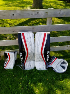 Ccm premier 1.9 goalie pads and gloves set