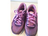 Girls Nike Trainers (Revolutionary 2) size 3