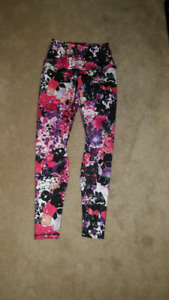 One tooth colourful leggings never worn