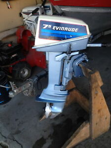 1982 evinrude 7.5hp motor with 3gal tank and hose