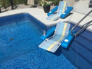 2 FLOATING POOL CHAIRS