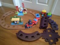 HAPPYLAND: Train set & Extras