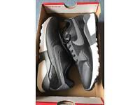 Nike Air Pegasus 92/16 Size 5 Brand new boxed