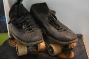 patin a roulette vintage ,ancie ,4 roue avec boite de transport