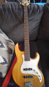 Samick Fairlane Bass Guitar