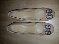 Tan wedge shoes size 6 nine west