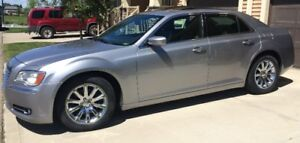 2013 Chrysler 300 - Accident Free and Very Well Maintained