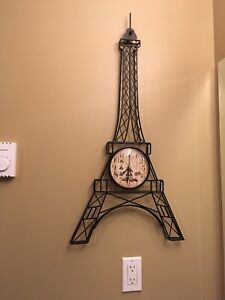 Eiffel tower clock