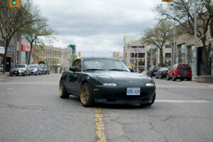1994 Mazda MX-5 Miata Coupe (2 door)
