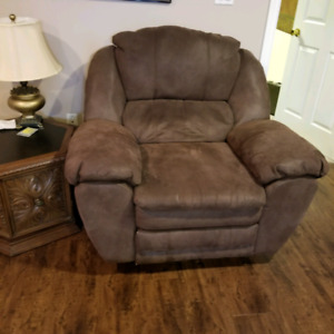 Oversized chocolate brown faux suede recliner very comfortable
