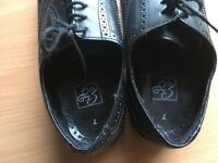 Black brogues excellent condition size 7
