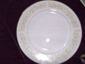 Fine china dinner set
