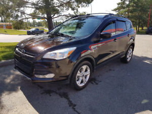 2013 Ford Escape SUV, AWD, Leather, Navigation, only 64,000 km.