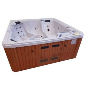 Reconditioned Polar Hot Tub Model 811