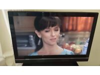 42 inch Tevion HD TV with and remote good condition great picture Pick up Hyde