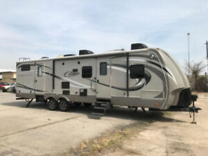 2013 Cougar 329TSB High Country Camper MINT!