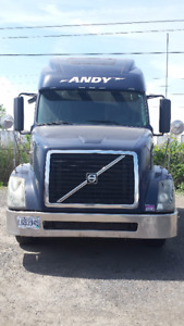 2011 volvo d13 with13 speed manual eaton 600, 000 KM Low