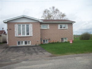 House For Sale in Smooth Rock Falls