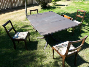Beautiful Antique table & Chair Set