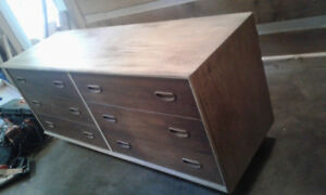 Low unit with drawers