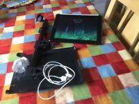 IPad 2, 32GB, Excellent Condition, With Headrest Mount.
