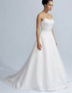 Gorgeous Casa Blanca Bridal/Wedding Dress Size: 8