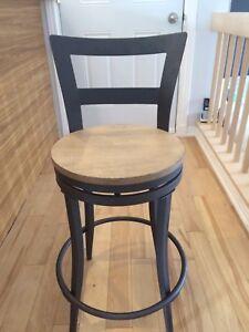 Chaise tabouret cuisine métal et bois qui tourne sur elle même