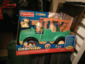 Brand new Fisher-Price Little People Zoo Talkers Safari Truck