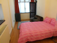 Ground floor studio flat for rent in Isleworth
