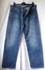 Levi Strauss 509 Zip fly Blue Jeans Comfort fit