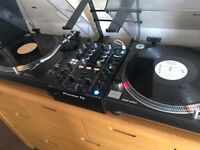 2x 1210 MK2 TECHNICS TURNTABLE FOR SALE HARDLY USED £1,195