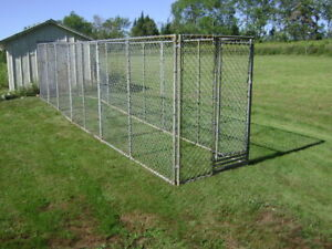 Dog chain link dog kennel