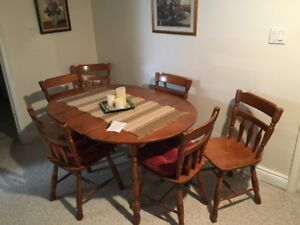 Early 70s Roxton Table 6 Chairs And Cabinet