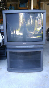 Free Excellent Condition 32 in. Sony Tritron TV with Stand