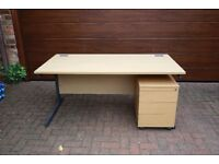 Oak Vaneer cantilever office desk 1600 x 800