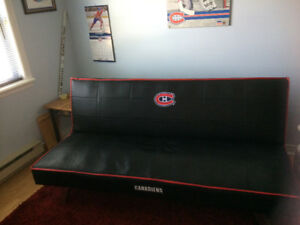 Montreal Canadiens couch/futon