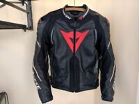 Dainese Super Speed D1 Leather Motorcycle Jacket. Size 50