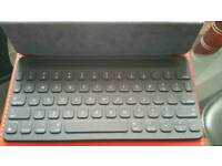 Apple Smart keyboard cover for ipad pro 9.7