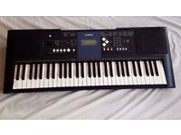 Yamaha PSR-E333 touch sensitive electric keyboard in excellent condition